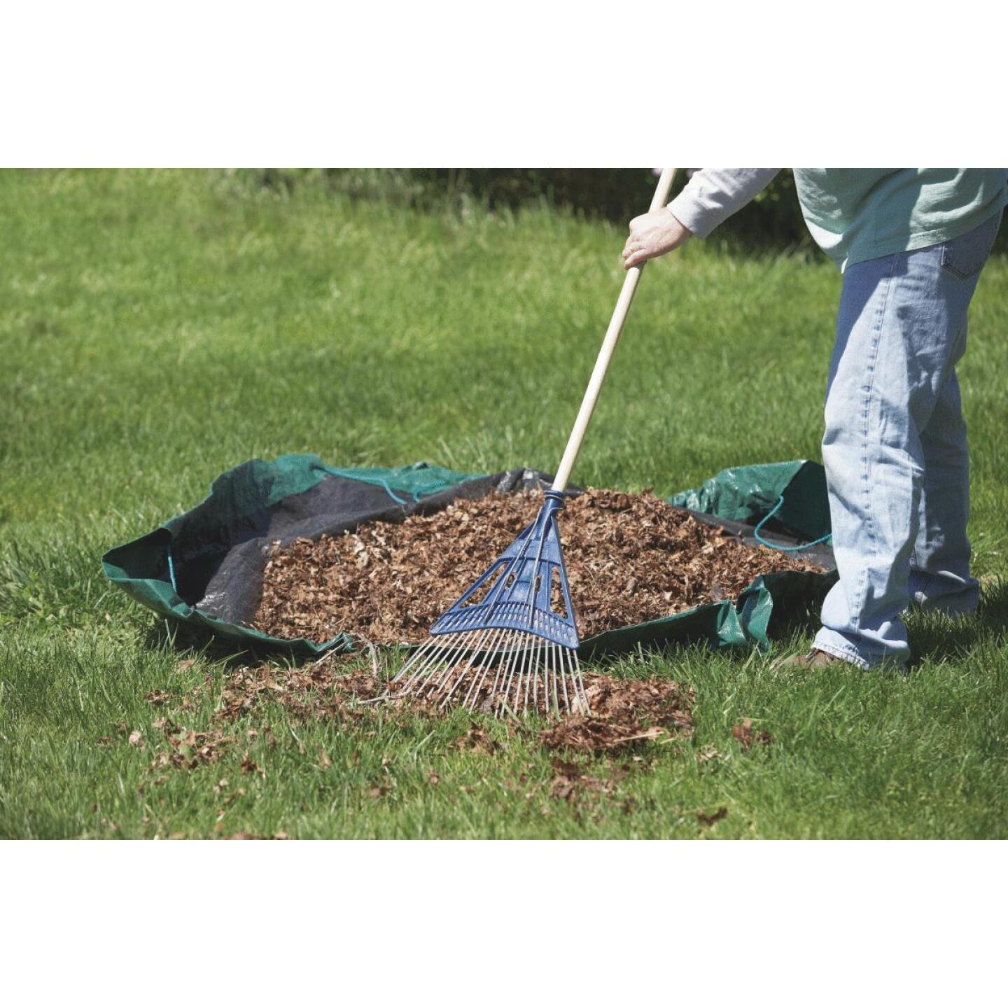 Do it 6 Ft. x 6 Ft. Poly Fabric Green Lawn Cleanup Tarp Image 3