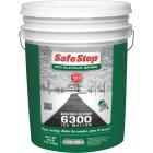 Safe Step Enviro-Blend 6300 40 Lb. Ice Melt Pellets Image 1